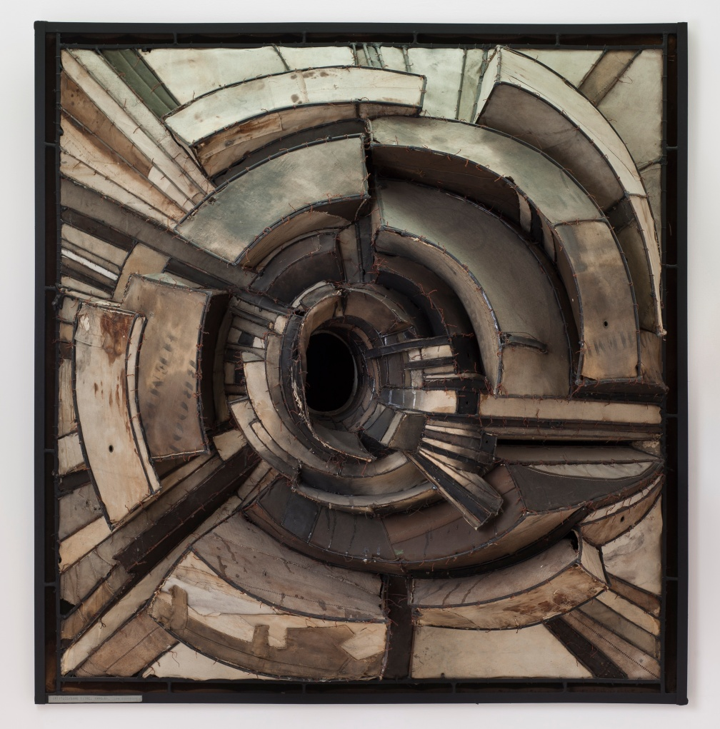 Lee Bontecou Untitled, 1962 Canvas, welded steel and wire construction 57 x 54 1/2 x 22 in. (144.78 x 138.43 x 55.88 cm) Manfred and Jennifer Simchowitz Photography by Brian Forrest © Lee Bontecou